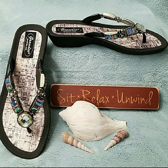 59220f762e13  NWOT GRANDCO Black thong wedge jewled sandals. M 5ab1c7dd739d48ac8f1b2cae
